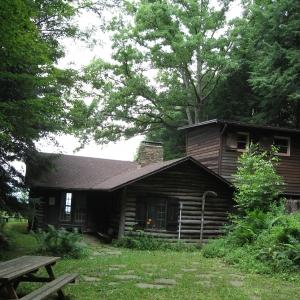 Historic Chestnut Cabin at Pfeiffer 2018