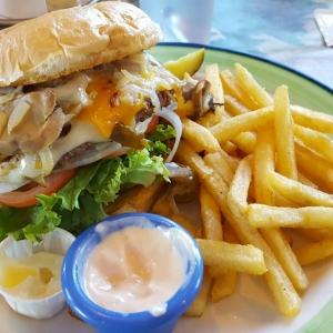 R&M's Famous Duke Burger