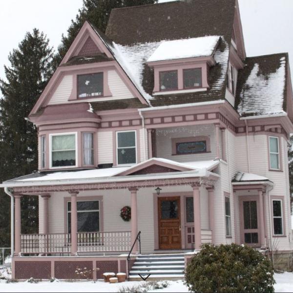 Enchanted Valley Inn