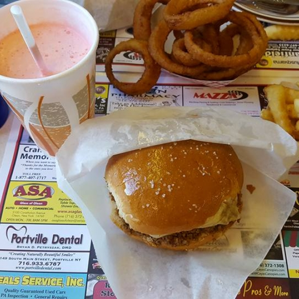 Famous Red's & Trudy's Loosemeat Burger