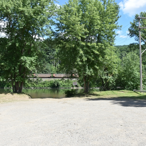 Photo of boat launch on Front Ave.