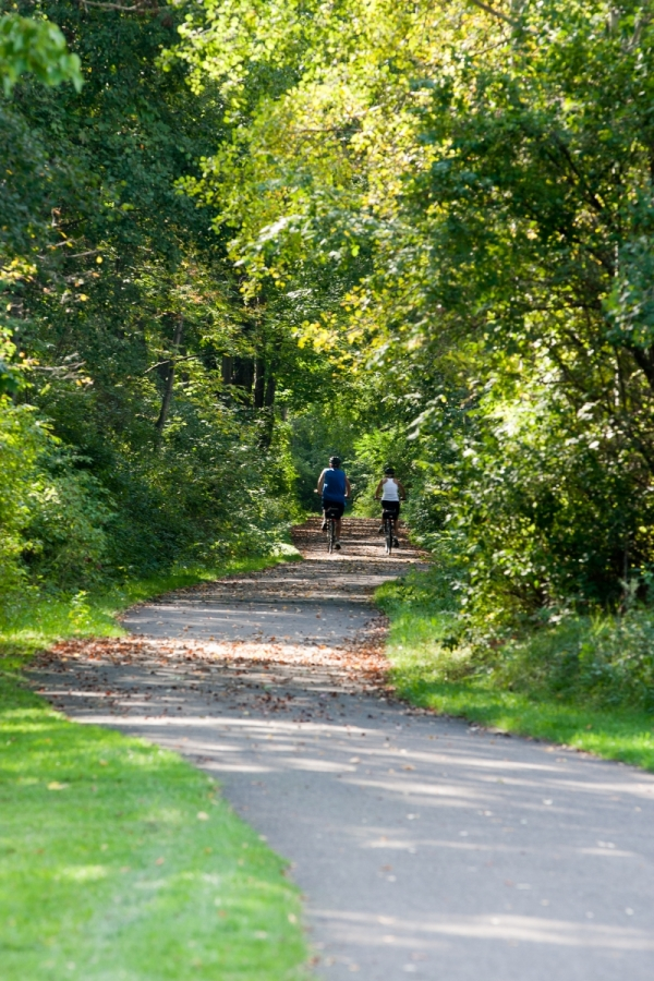 Bicyclists on the Allegheny River Valley Trail